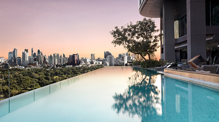 so sofitel bangkok infinity pool