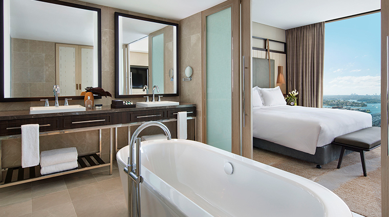 sofitel sydney darling harbour bed and bath