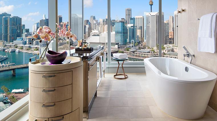sofitel sydney darling harbour suite tub view