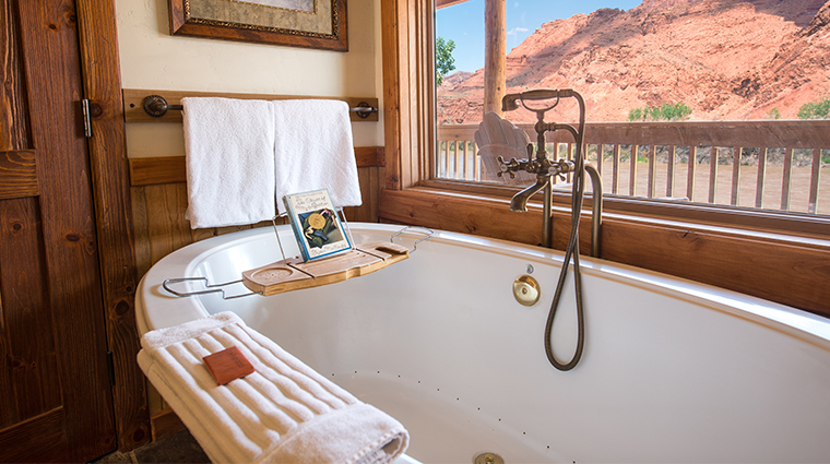 sorrel river ranch resort spa tub