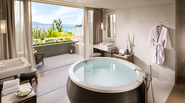 spa halekulani okinawa spa suite bath