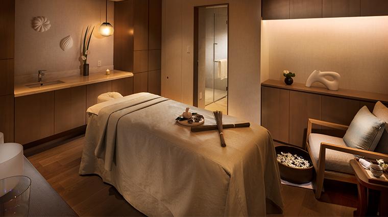 spa halekulani okinawasingle treatment room