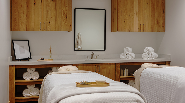 stillwell spa at snowpine lodge double treatment room