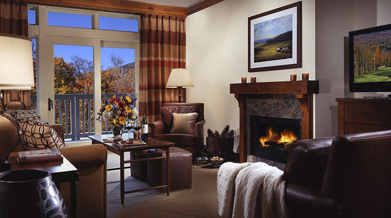 stowe mountain lodge living room