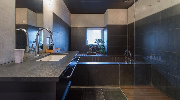 suiboku hirafu bathroom