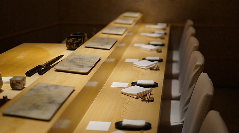 sushi saito table