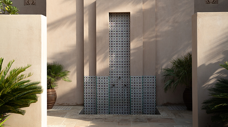 talise spa at madinat jumeirah outdoor shower wide