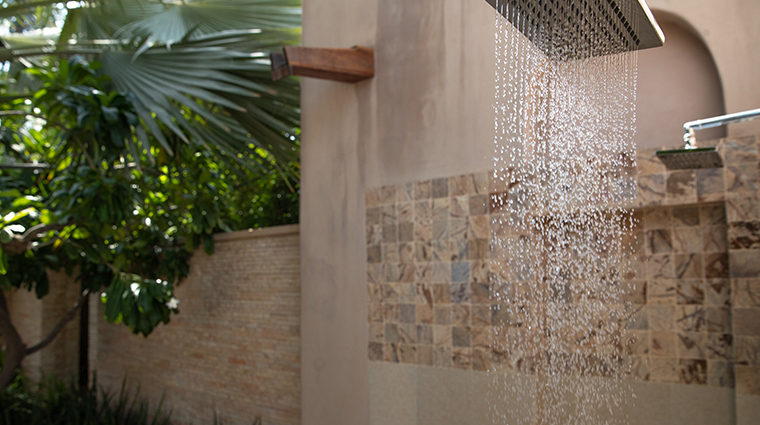 talise spa at madinat jumeirah outdoor shower