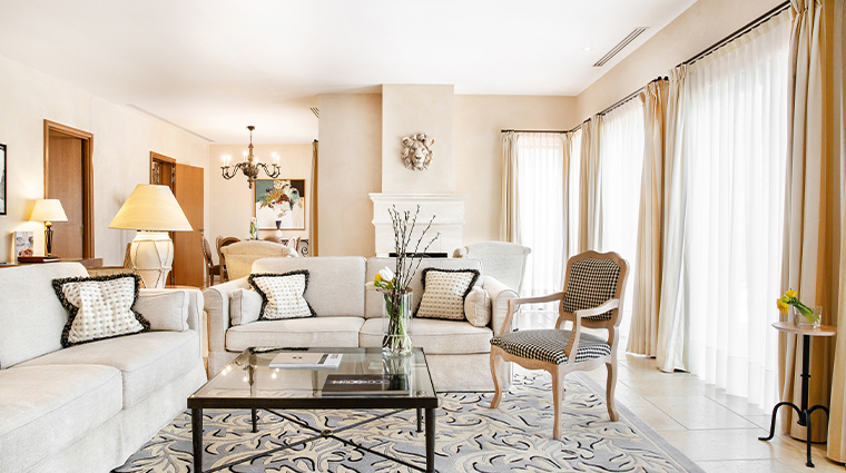 terre blanche provence living room