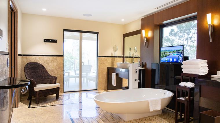terre blanche villa bath