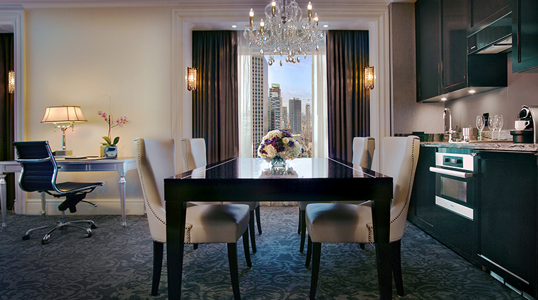 the adelaide hotel toronto suite