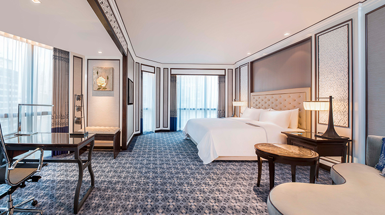 the athenee hotel bangkok Royal Club Prestige