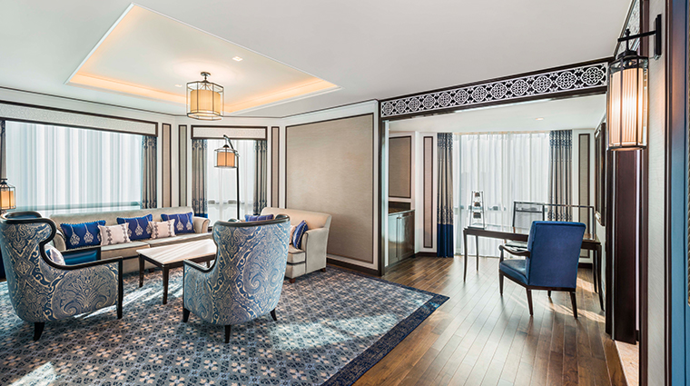 the athenee hotel bangkok Royal Club Suite