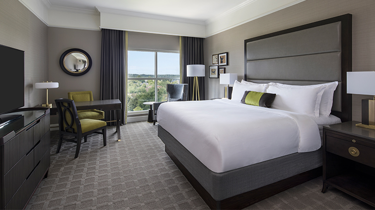the ballantyne a luxury collection hotel renovated king deluxe
