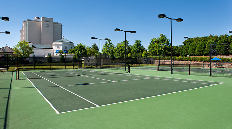 the ballantyne a luxury collection hotel tennis courts