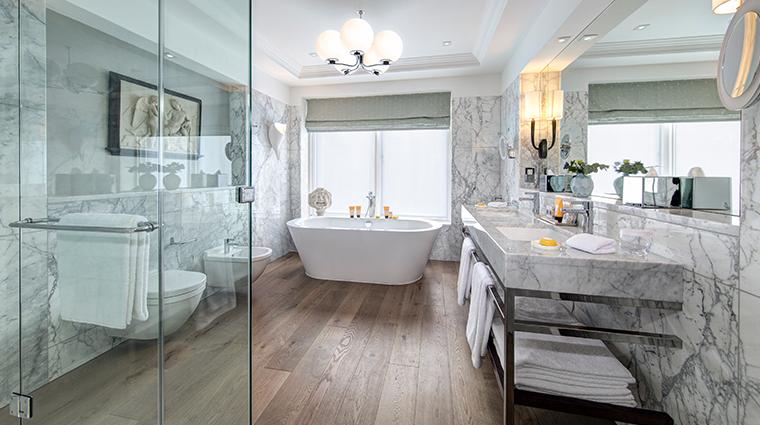 the balmoral a rocco forte hotel glamis suite bathroom