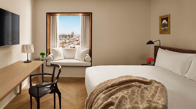 barcelona edition guestroom daytime view