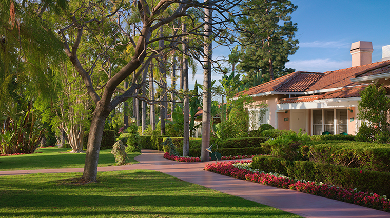 the beverly hills hotel bungalows exterior