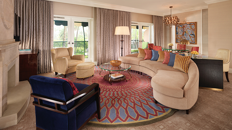 the beverly hills hotel crescent suite living room