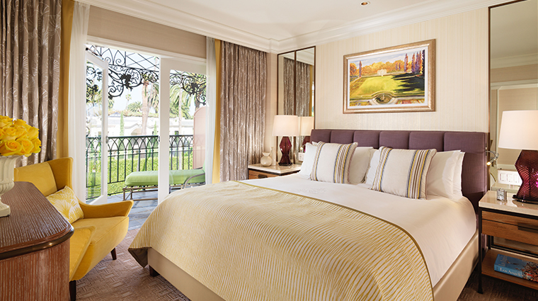 the beverly hills hotel junior suite