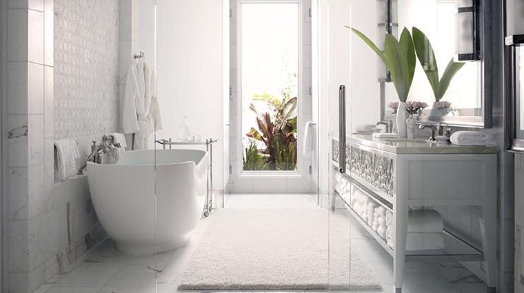 the beverly hills hotel master bathroom