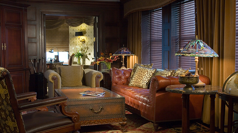 the brown palace hotel suite sitting area
