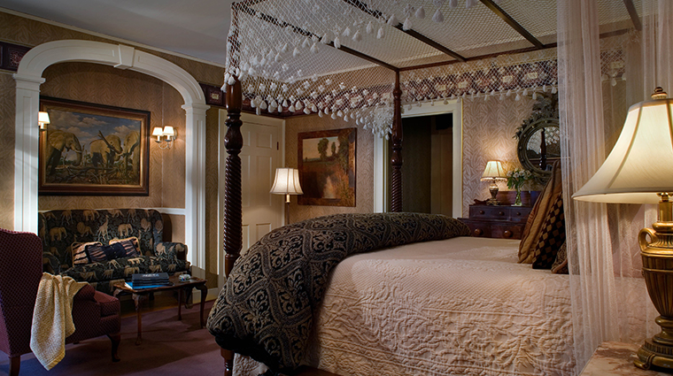 the bernards inn may lord suite bedroom