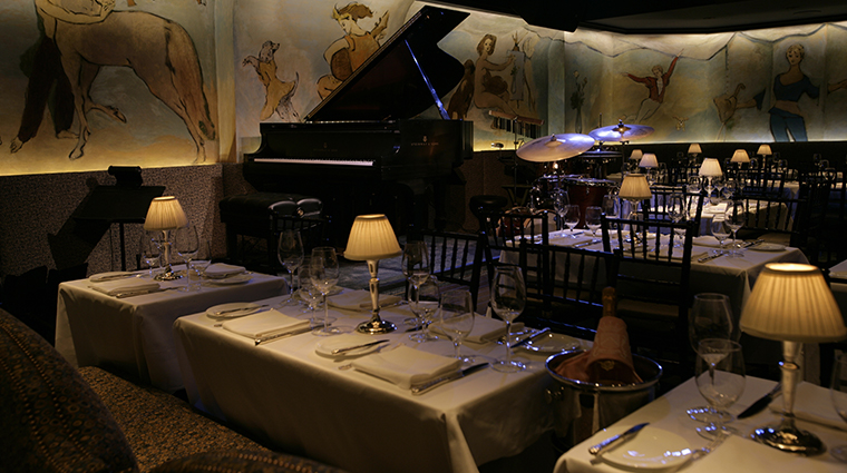 the carlyle a rosewood hotel Cafe Carlyle