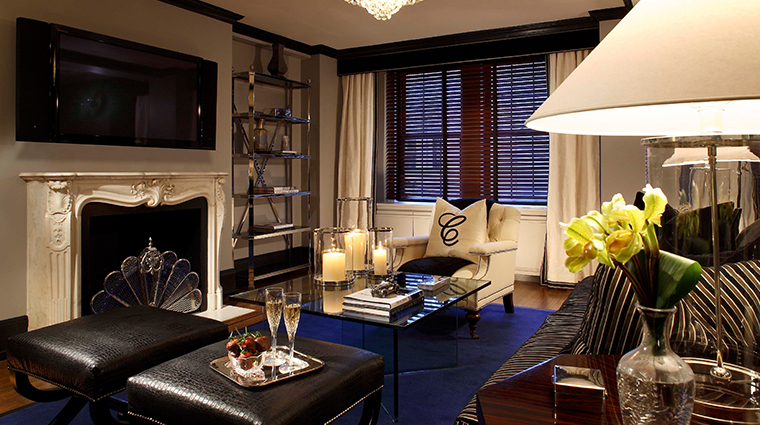 the carlyle a rosewood hotel carlyle suite living room