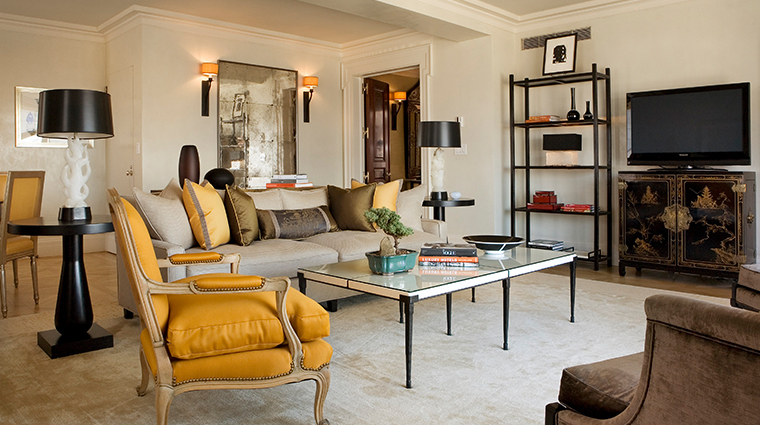 the carlyle a rosewood hotel central park tower suite living room
