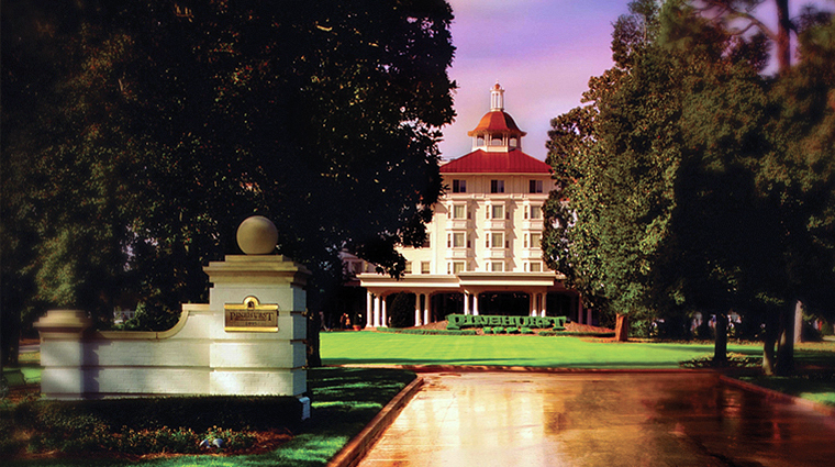 the carolina hotel at pinehurst resort exterior