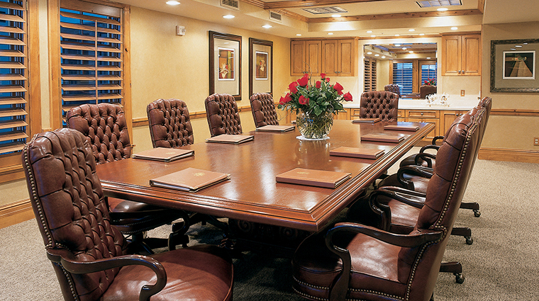 PropertyImage ChateauxDeerValley Hotel PublicSpaces Boardroom CreditTheChateauxDeerValley