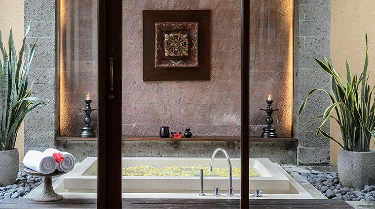 the chedi club tanah gajah ubud bali one bedroom pool bath