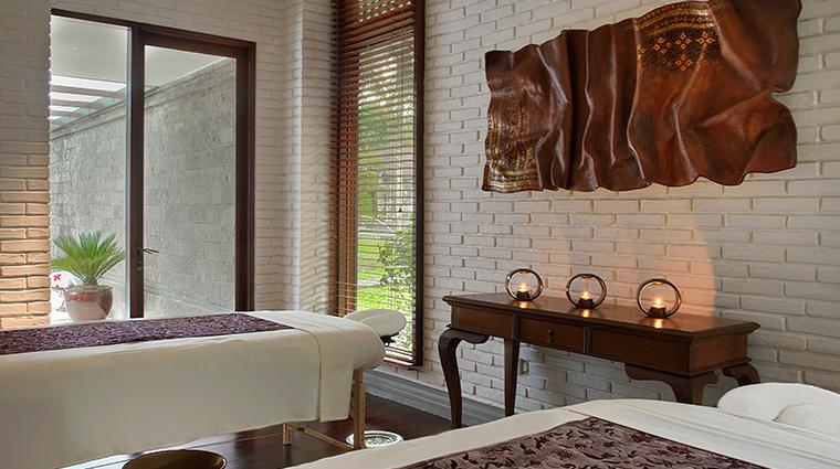 the chedi club tanah gajah ubud bali spa pool villa treatment room