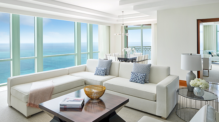 the cove atlantis sapphire living room