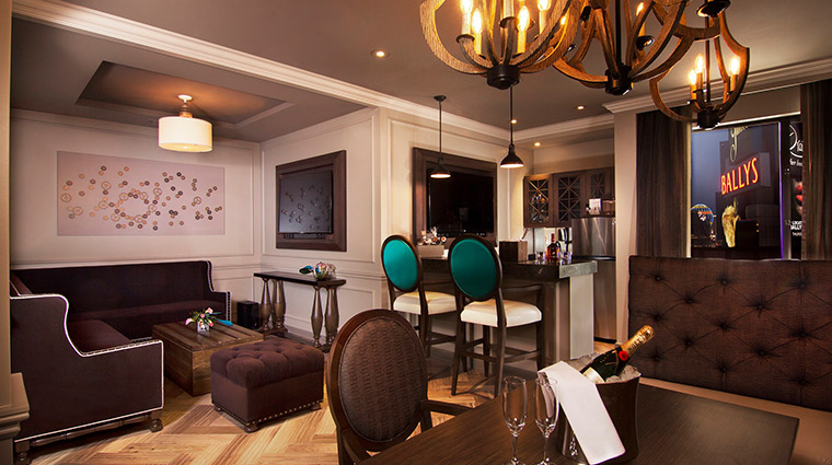 The Cromwell boulevard suite