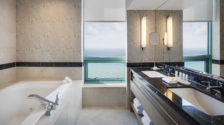 the diplomat beach resort governor suite bathroom