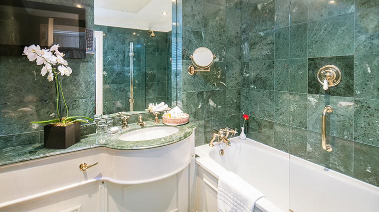 the egerton house hotel egerton bathroom