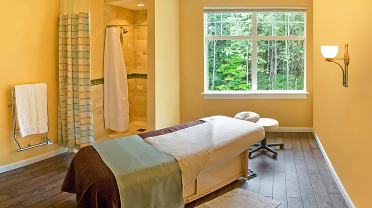 the essex resort spa treatment room