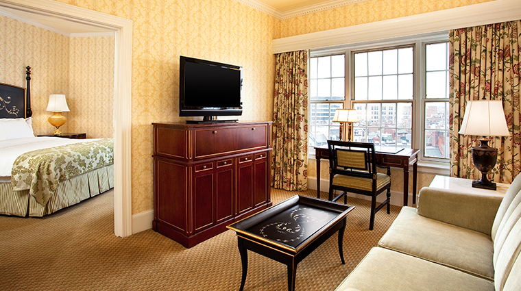the fairfax at embassy row deluxe suite