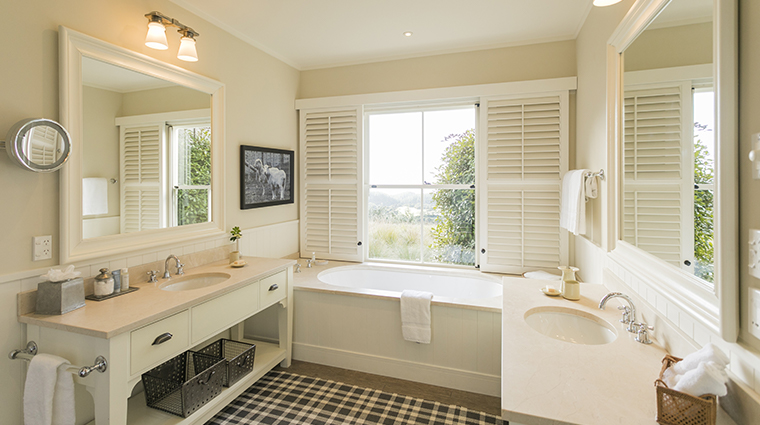 cape kidnappers ridge suite bathroom2