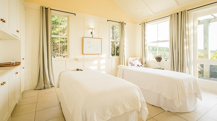 cape kidnappers spa couples treatment room