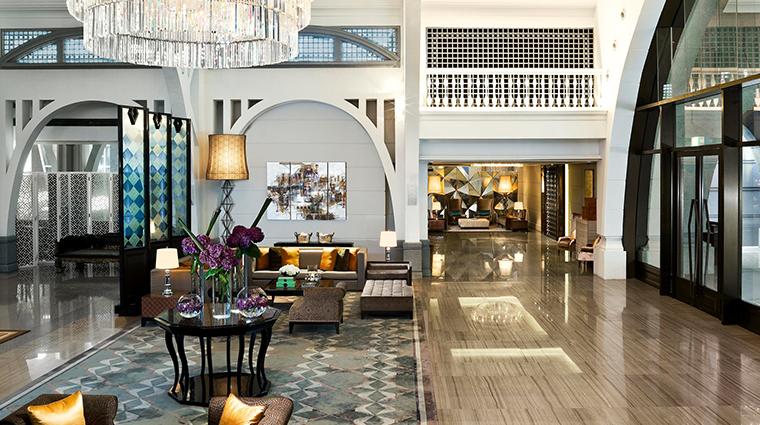 the fullerton bay hotel singapore entrance