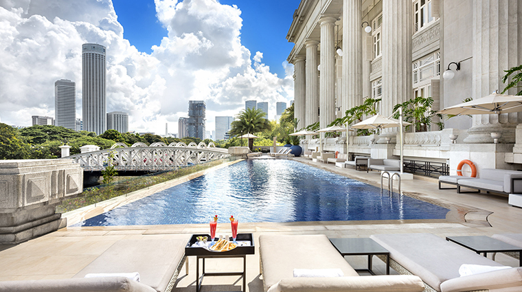 the fullerton hotel singapore infinity pool