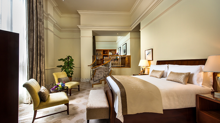the fullerton hotel singapore presidential suite bedroom