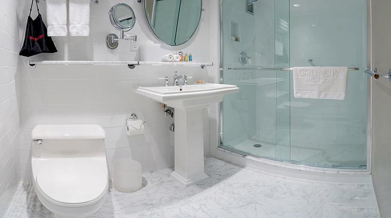 The Garden City Hotel bathroom