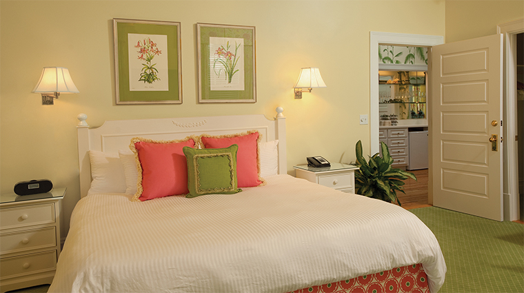 the gasparilla inn club guestroom2