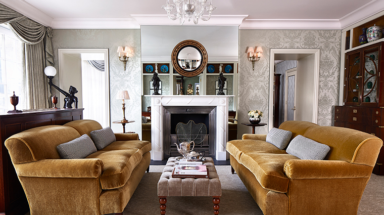 the goring royal suite sitting room