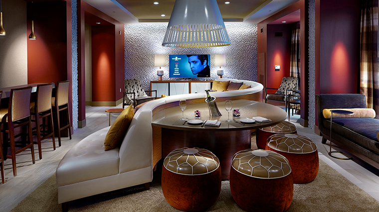 the guest house at graceland palm springs suite