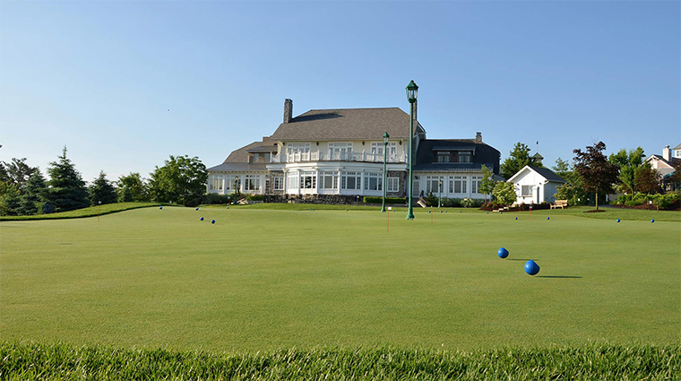the hotel hershey putting green